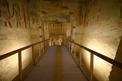 Walking down into the tomb of Merenptah