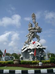 A typical roundabout in Denpasar