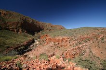Trekking around Ormiston Gorge