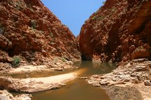 The waterhole at Redbank Gorge